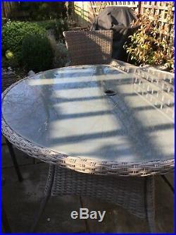 Marquee Mali Grey 4 Seater round Garden Furniture Set